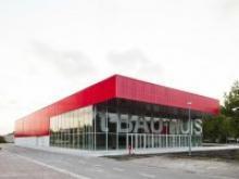 Das große rote Gebäude